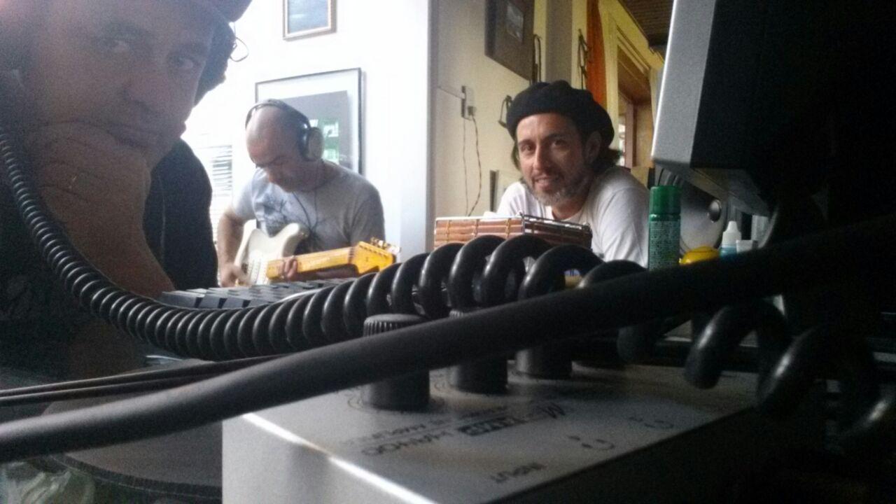 Pedro Ribas durante gravação do CD. Foto divulgação.